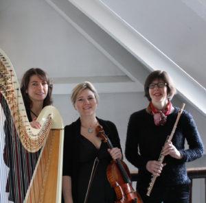 Aurélie Aubrée (flûte), Sophie Piat (alto), Anne Raffard (harpe)